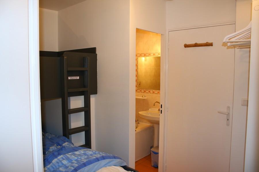 accès à la salle de bains, location Piau Engaly